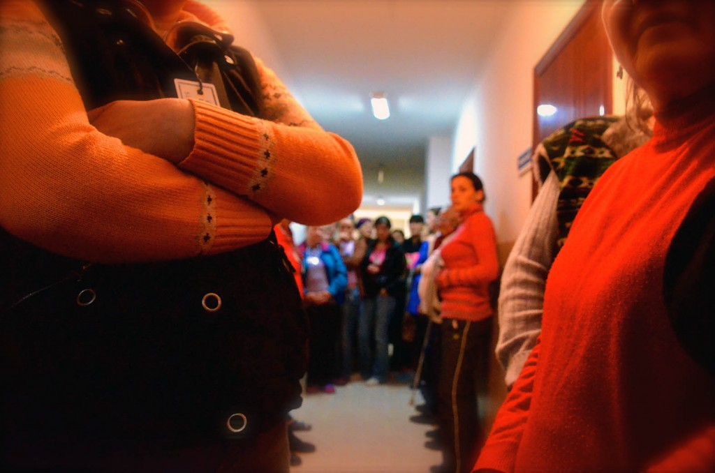2014 04 Risca Fengsel Venting i gangen